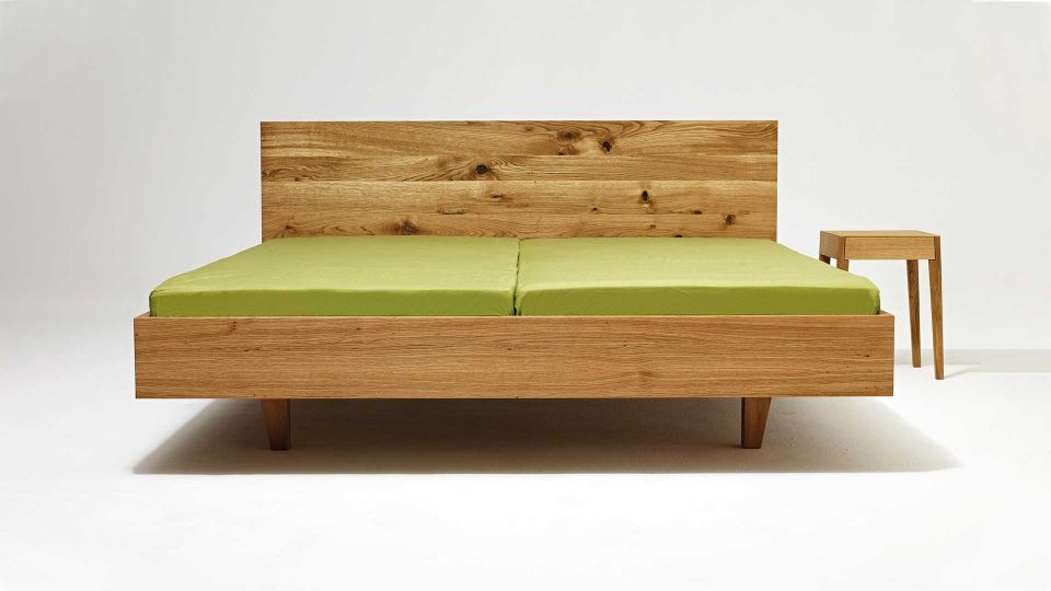 Floating Bed Mamma wood with nightstand