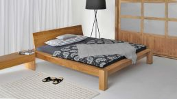 Bed Taurus with solid wood headboard|Overall view solid wood bed Taurus